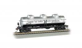Carbide and Carbon Chemicals #303 - 40' Three Dome Tank Car (HO)