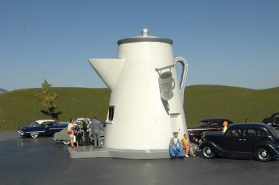 The Coffee Pot - Roadside U.S.A® Building