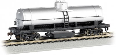 Unlettered - Silver - Track-Cleaning Single-Dome Tank Car