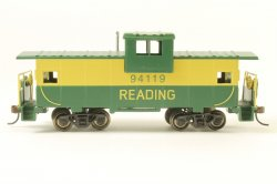 Wide Vision Caboose - Reading (HO Scale)