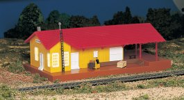 Lighted Freight Station (HO Scale)