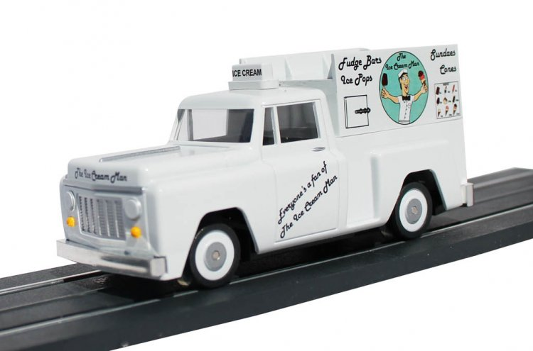 E-Z Street™ Ice Cream Truck - Click Image to Close