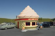 Ice Cream Stand - Chocolate Roadside U.S.A® Building (HO)