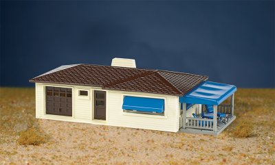 Ranch House - Cream & Brown (HO Scale)