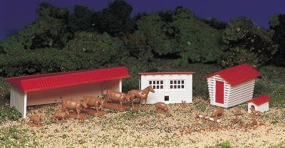 Farm Building with Animals (HO Scale)