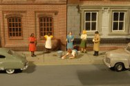 Sidewalk People - HO Scale