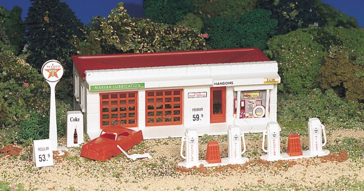 Gas Station (HO Scale) - Click Image to Close