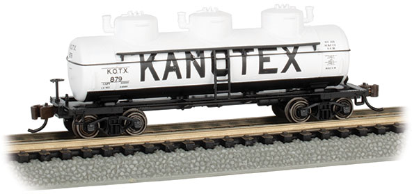 Kanotex #879 - 3-Dome Tank Car