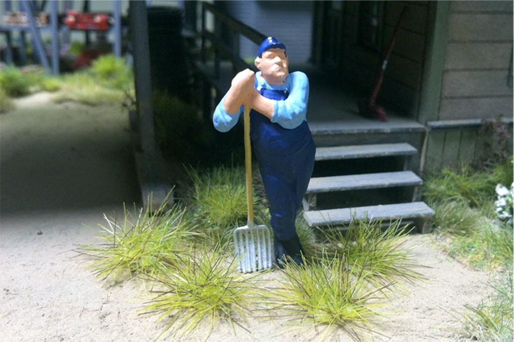 "Bachmann 31041 Grass Tufts SceneScapes Medium Green 3/8"" Tall Fibers Pkg 50"