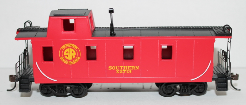 Off Center Caboose - Southern ( HO Scale )
