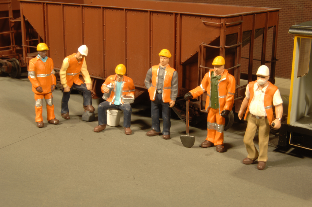 Maintenance Workers - HO Scale