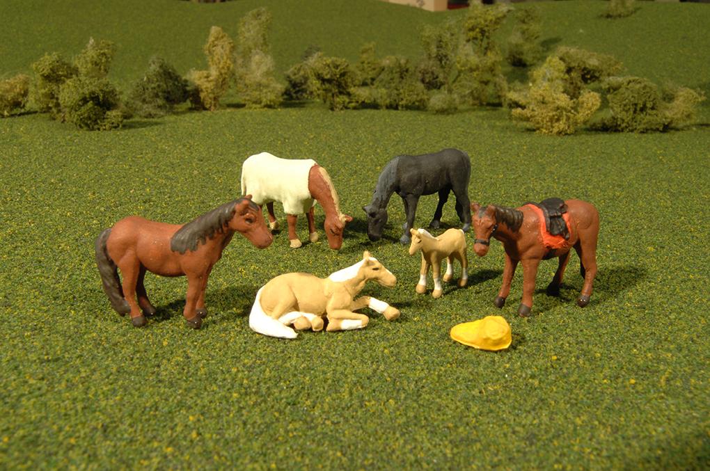BAC33119 Bachmann Industries HORSES (6pcs/pk) 160-33119