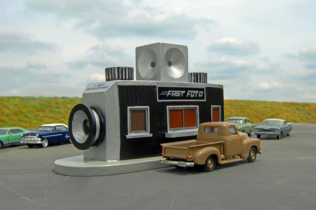 Fast Foto Drive-Through - Roadside U.S.A® Building (HO Scale)