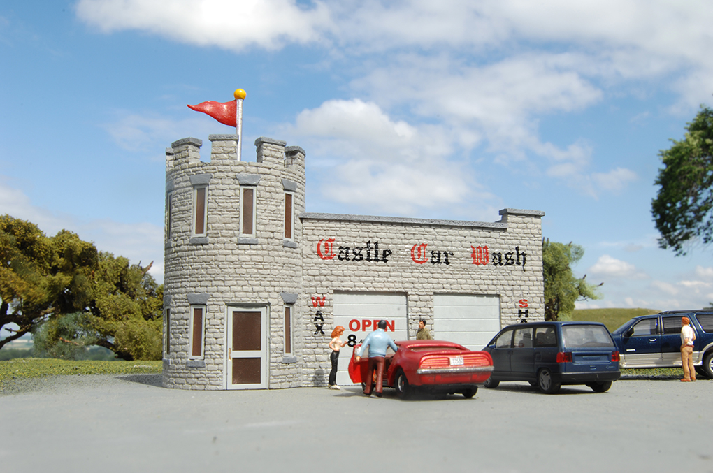 Castle Car Wash - Roadside U.S.A® Building (HO Scale)
