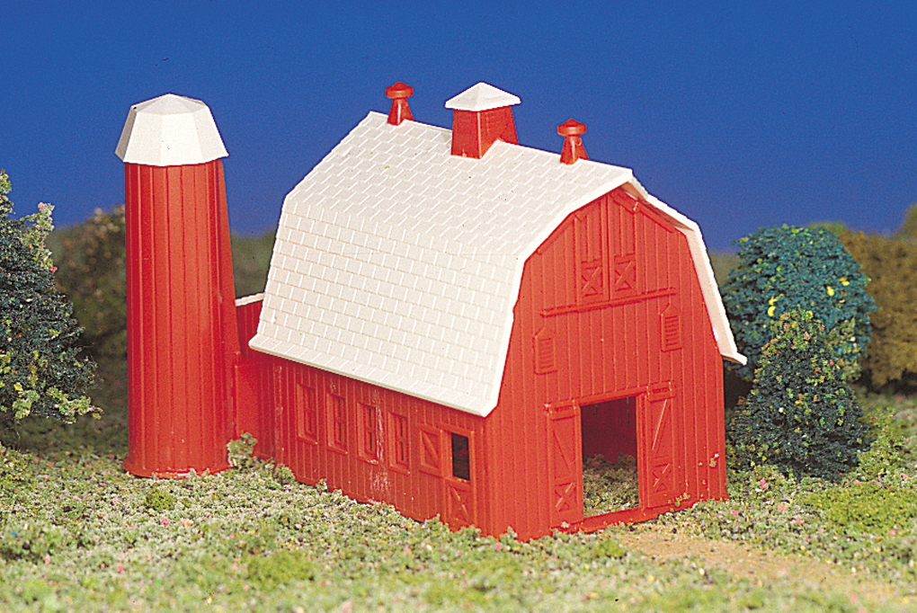 Barn (HO Scale)